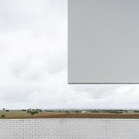 http://ricardoloureiro.com/files/dimgs/thumb_1x200_2_25_42.jpg