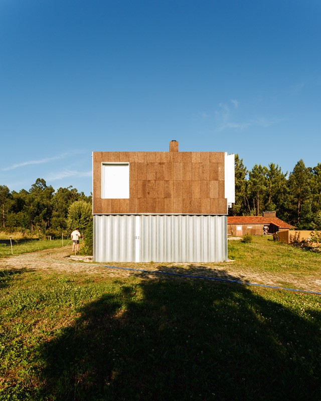 http://ricardoloureiro.com/files/gimgs/th-43_RL_CORK_HOUSE_2009.jpg