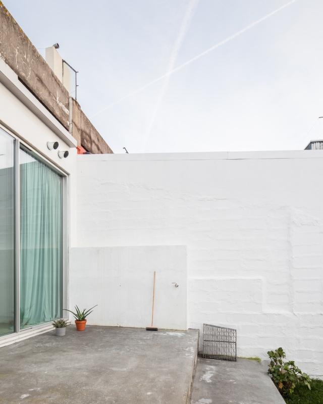 http://www.ricardoloureiro.com/files/gimgs/th-52_RL_FALA_arlequin_apartment.jpg